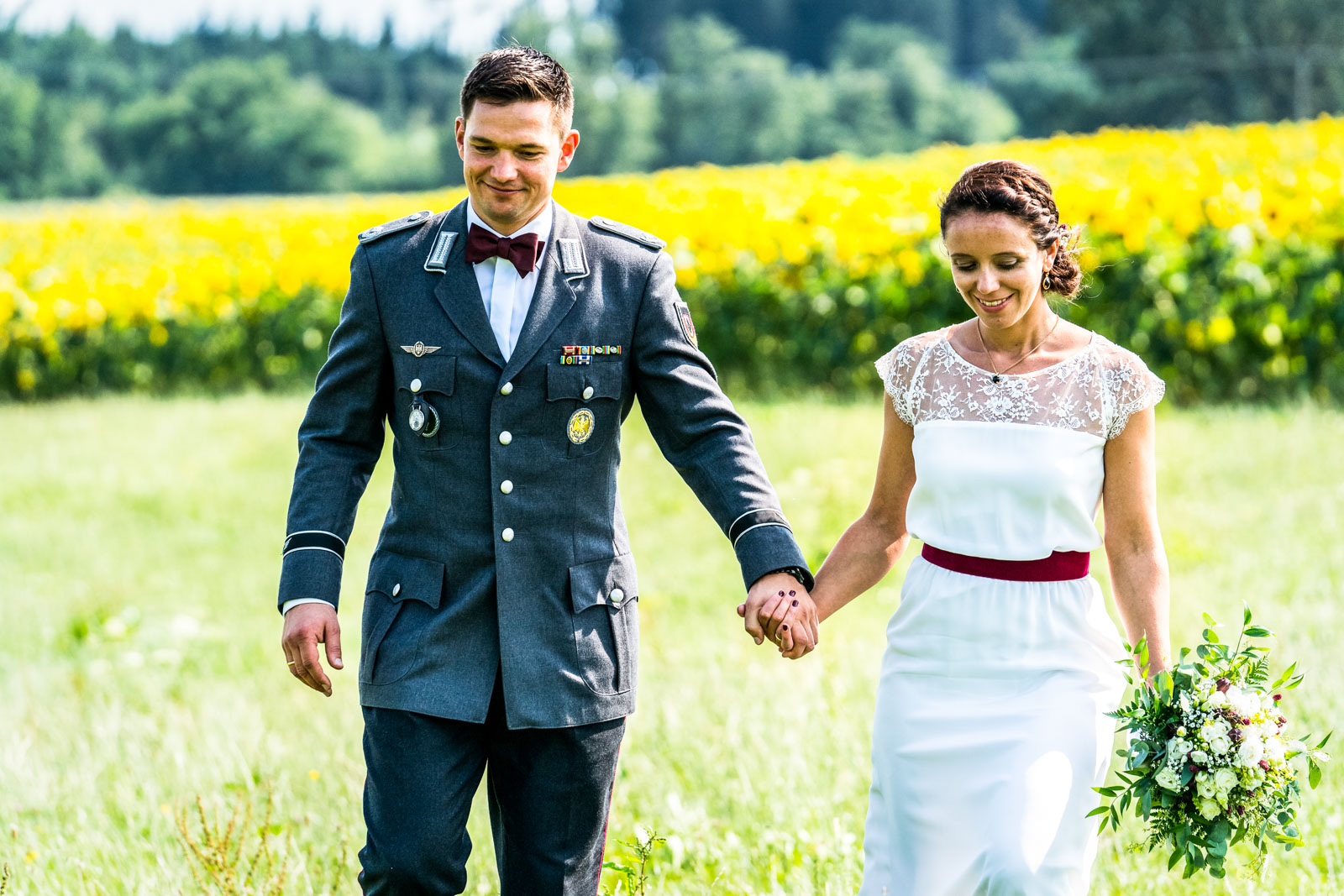Brautpaar bei einer freien Trauung auf dem Landgut Kugleralm in Ebersberg