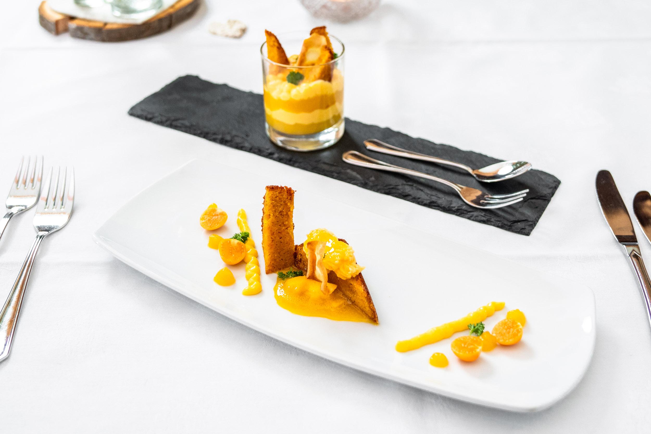 Auch bei Süßspeisen, wie den leckeren Desserts vom Restaurant Kugler Alm in Ebersberg, wird manchmal legiert