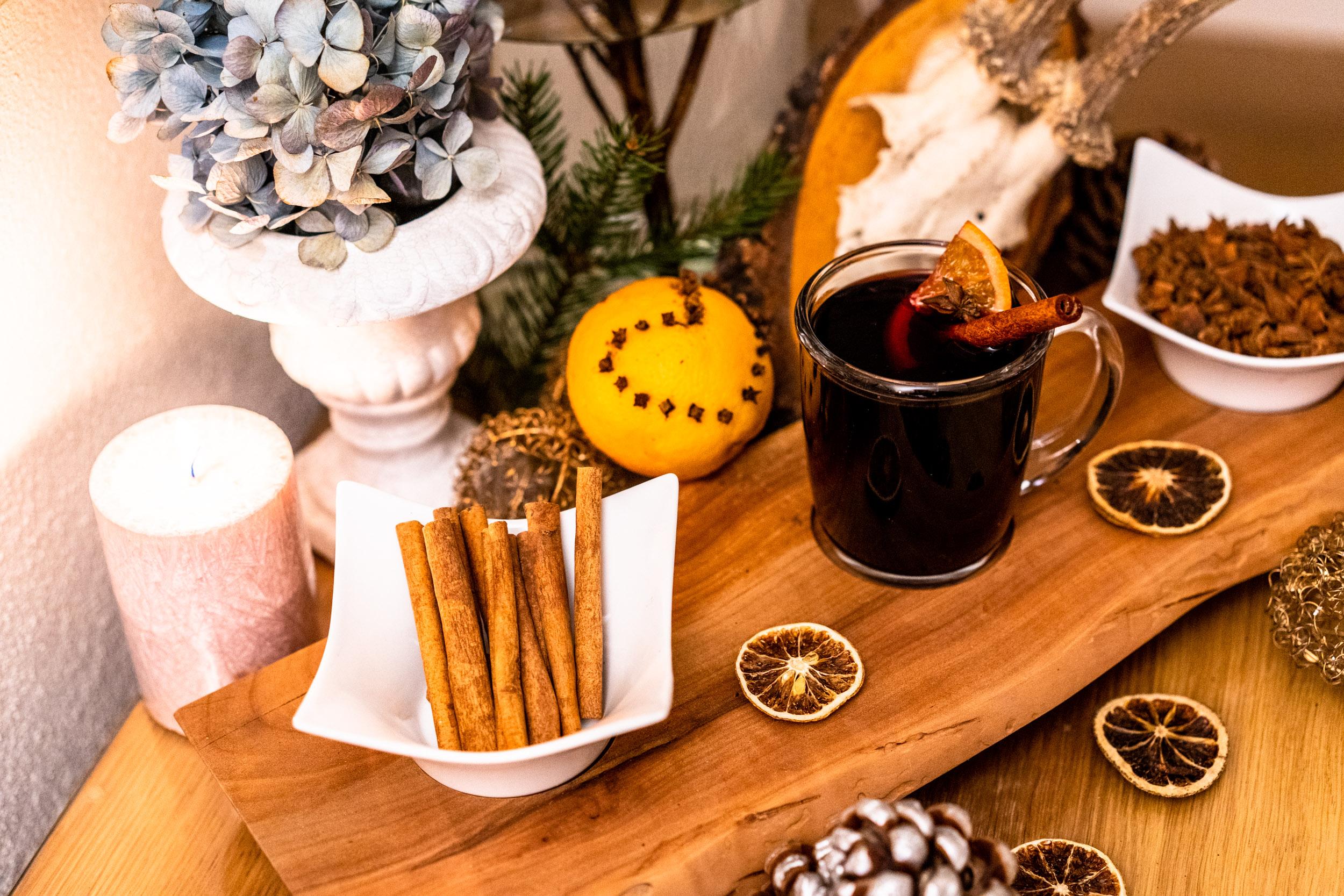 Egal ob als Zimtstange zur Deko oder gemahlenes Gewürz, Zimt ist das Gewürz der Weihnachtszeit