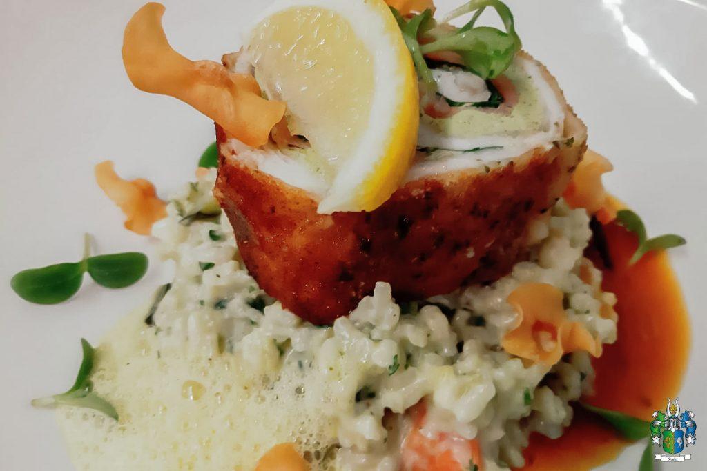 Fisch mal anders: Steinbutt als Cordon Bleu auf cremigem Meeresfrüchte Risotto