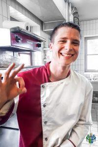 Unsere Frohnatur Michal komplettiert die Crew der Küche vom Restaurant Kugler Alm seit Februar 2019