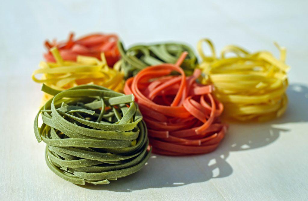 Nudeln in allen Farben und Formen schmecken am besten al dente