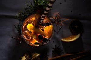Stoßen Sie in der kalten Jahreszeit an mit einem hausgemachten Winter Spritz vom Restaurant Kugler Alm in Ebersberg