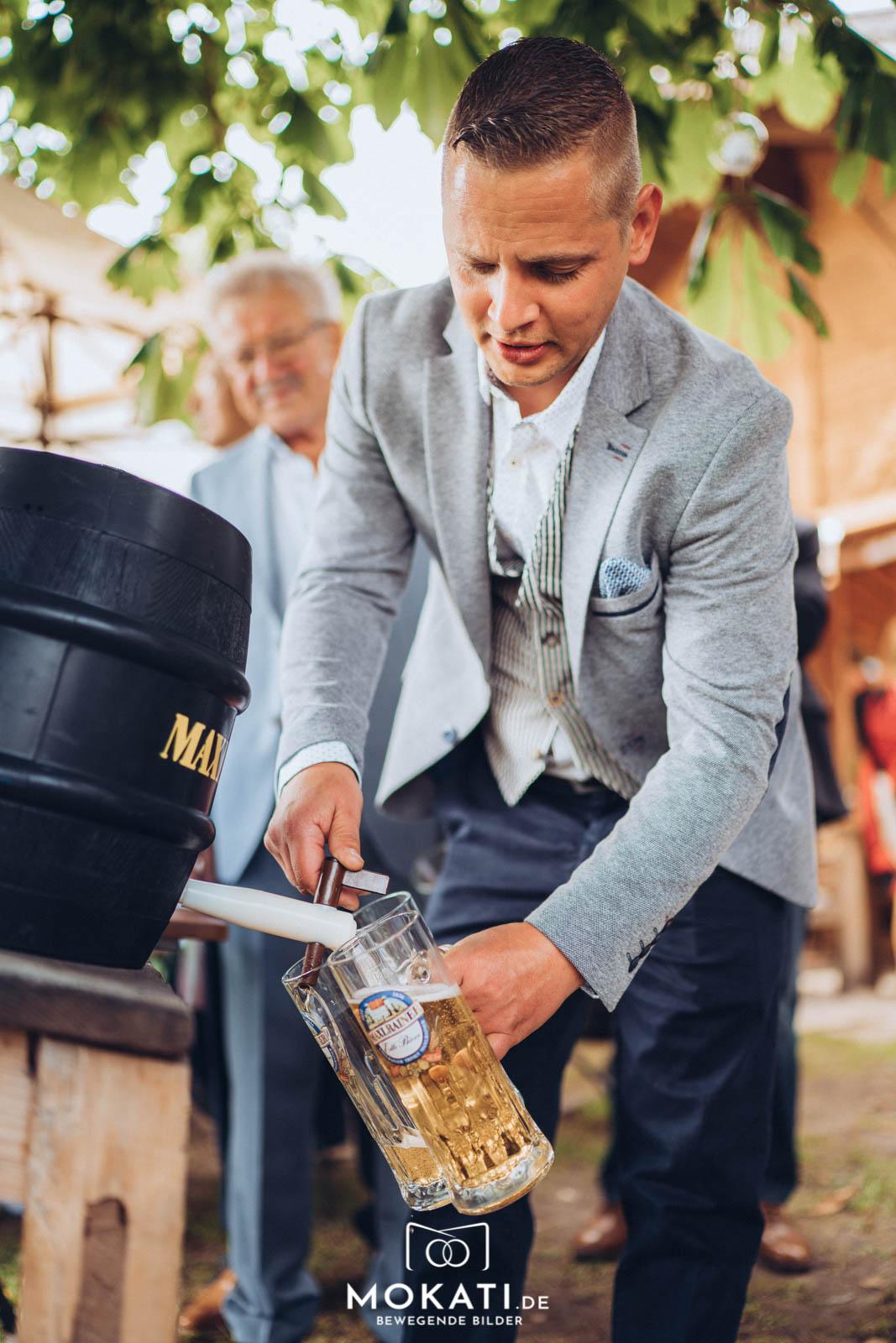 Auf Wunsch vom Brautpaar gab es Bier zum selbst zapfen