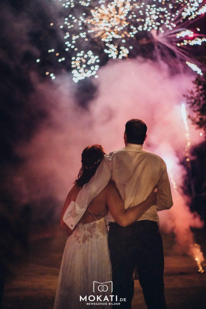 Auch ein prächtiges Feuerwerk als Highlight Ihrer Hochzeit können wir vom Landgut Kugler Alm Ebersberg umsetzen