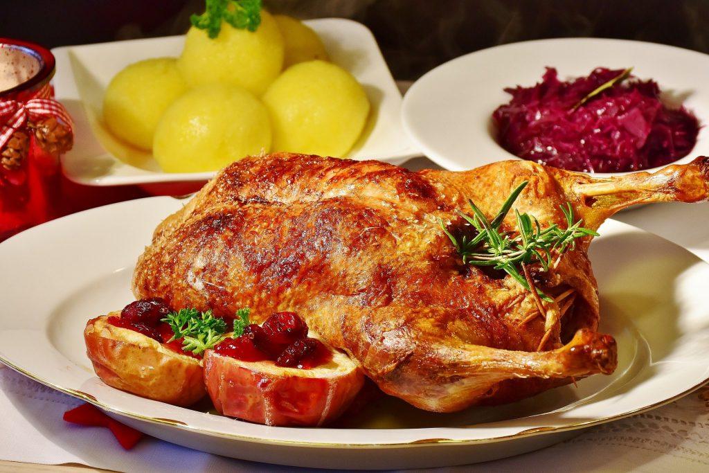 Gans und Ente mit Beilagen sind dieses Jahr wieder das klassische Essen vom Landgut Kugleralm zur Kirchweih, allerdings To Go